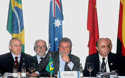 Brazil's President Luiz Inacio Lula da Silva (C) attends the meeting of G20 Finance Ministers and Central Bank Governors in Sao Paulo, Brazil, Nov. 8, 2008. The two-day meeting was opened on Saturday