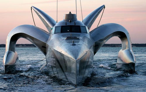 space age, wave piercing trimaran Earthrace, possibly the coolest powerboat on the planet