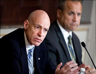 Edward Lazear of the White House's Council of Economic Advisers and budget director Jim Nussle discuss the projected deficit for fiscal 2009