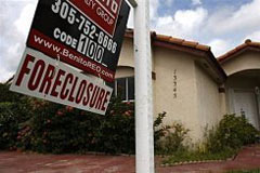 US officials on Thursday indicted more than 400 people in a major operation aimed at derailing mortgage fraud
