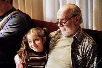 Carlin appeared in three of Smith's films: 1999's 'Dogma,' 2001's 'Jay and Silent Bob Strike Back,' and 2004's 'Jersey Girl' (seen here, with Raquel Castro)