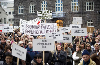 people take to the streets of Reykjavik, Iceland, on November 8, 2008 to call on the government to resign and for banks to be more open about the country's financial crisis