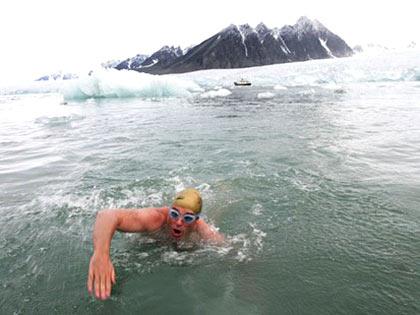 Lewis Gordon Pugh swimming