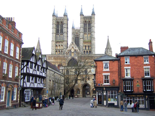 Lincoln Cathedral, U.K. (525 ft - 160 m)