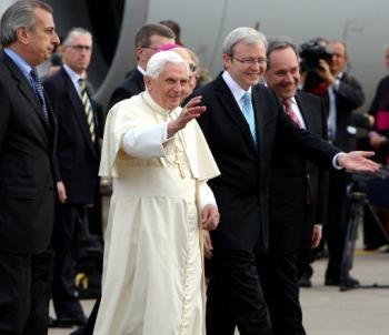 Pope Benedict XVI and Australian Prime Minister Kevin Rudd