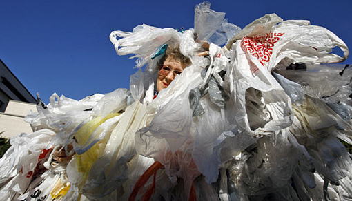 Los Angeles County Board of Supervisors votes to ban plastic grocery bags in unincorporated areas of the county