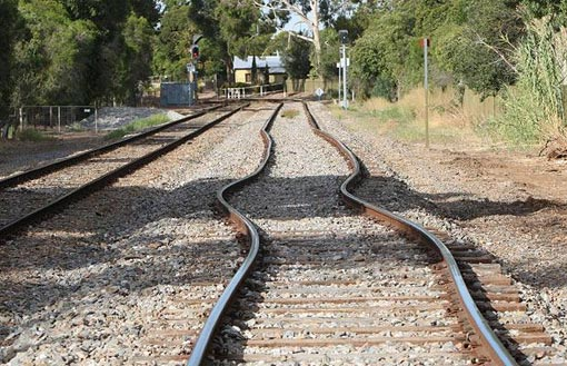 heatwave in Australia buckles rail lines