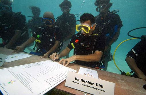 the Maldivian cabinet held a meeting underwater to highlight the need for action on climate change