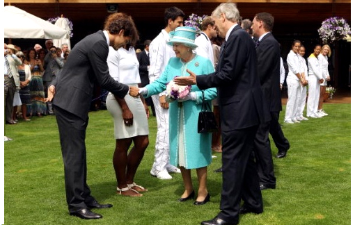 Roger had the honour of meeting Queen Elizabeth II who only paid her second visit to the All England Club since having been there last in 1977