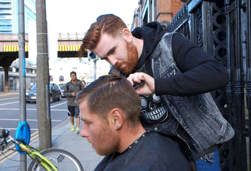 barber who cut the hair and trimmed the beard of a homeless man on a Dublin street was surprised by the reaction to his good deed