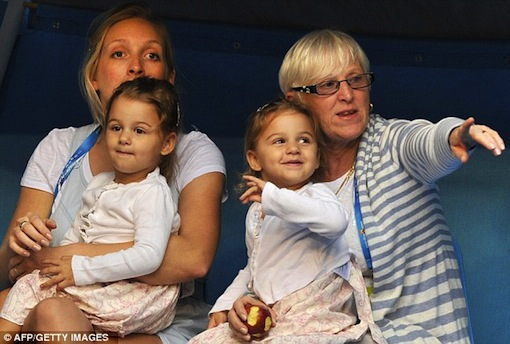 Roger Federer's twin daughters at Australian Open 2012