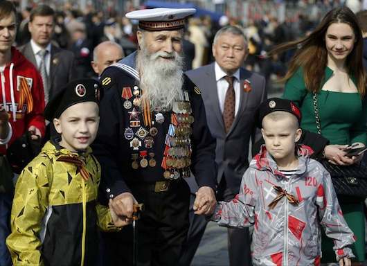 """On parade: WWii veterans in their 90s; Belarus swaggers, honor guards sing popular song """"Katyusha"""""""